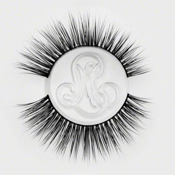 Realistic False Eyelashes by Minki Lashes